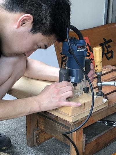 木製表札 ルーター3